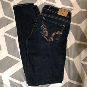 Hollister skinny jeans size 26.